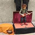 彈吉他的小玩偶