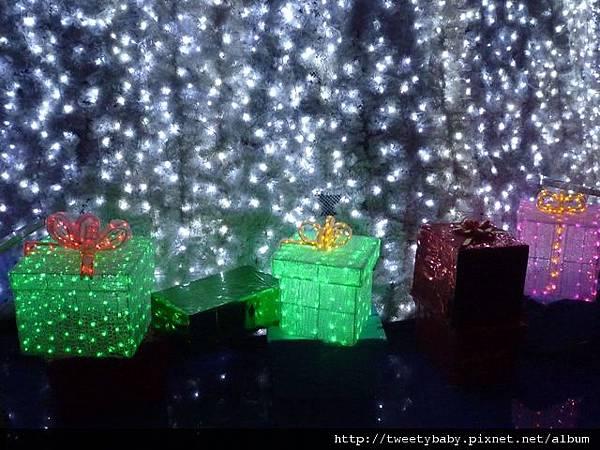 新北市政府聖誕樹 043.JPG