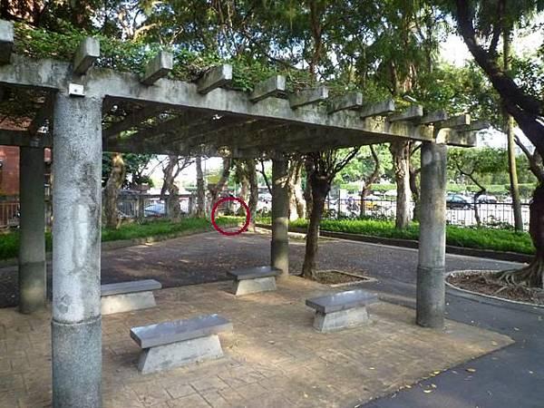 台北二二八紀念公園陸檢0007號一等水準點 013