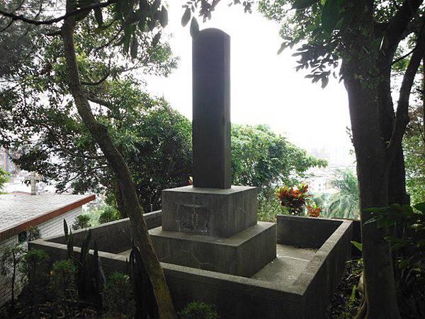 蔣渭水先生墓 051