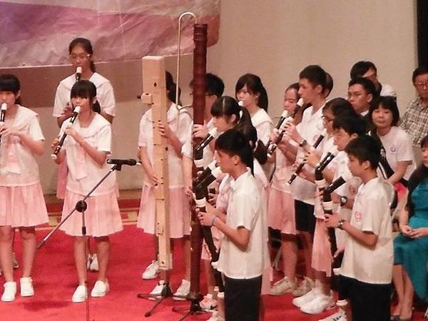 姐姐國中畢業典禮 020.JPG