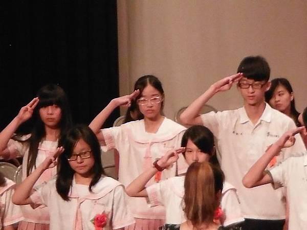 姐姐國中畢業典禮 023.JPG