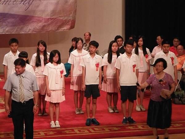姐姐國中畢業典禮 031.JPG