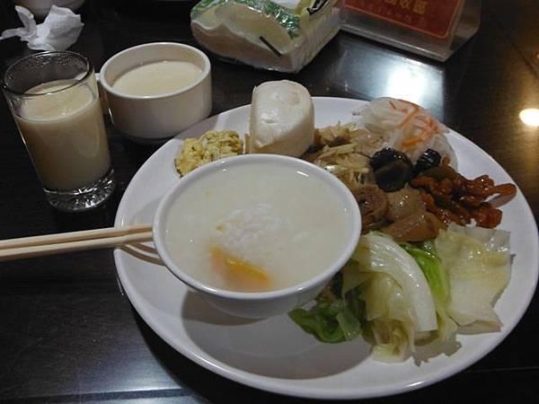 國軍英雄館佰元早餐 015