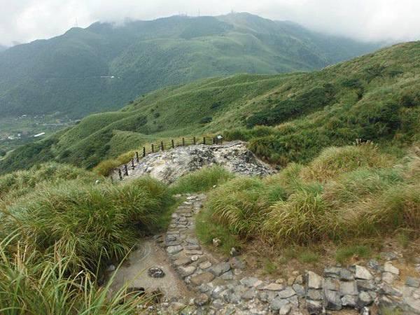 七星山.恐龍接吻石.凱達格蘭山.七星山南峰 020