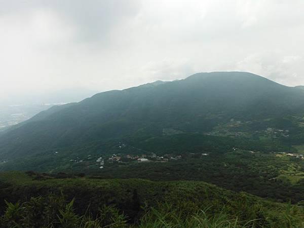 七星山.恐龍接吻石.凱達格蘭山.七星山南峰 024