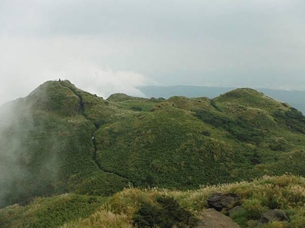 七星山.恐龍接吻石.凱達格蘭山.七星山南峰 042