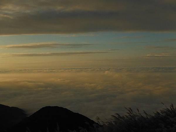 小觀音山西峰火山口.大屯自然公園.百啦卡山.大屯山夕陽、雲海、秋芒 161.JPG