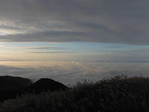 小觀音山西峰火山口.大屯自然公園.百啦卡山.大屯山夕陽、雲海、秋芒 163.JPG