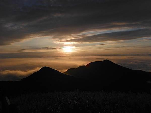 小觀音山西峰火山口.大屯自然公園.百啦卡山.大屯山夕陽、雲海、秋芒 172.JPG