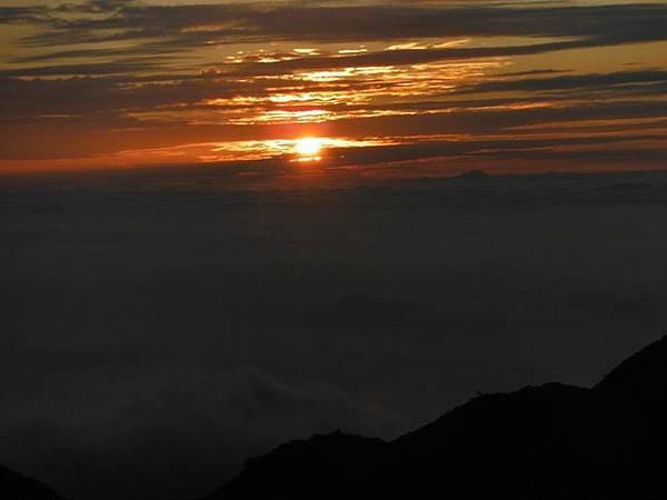 小觀音山西峰火山口.大屯自然公園.百啦卡山.大屯山夕陽、雲海、秋芒 183.JPG