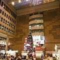台北火車站大廳聖誕樹.京站聖誕樹 002.JPG