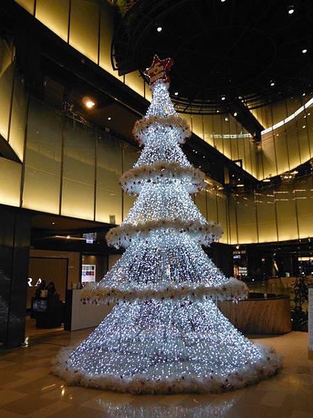 台北火車站大廳聖誕樹.京站聖誕樹 012.JPG