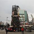 西門捷運站聖誕樹 021.JPG