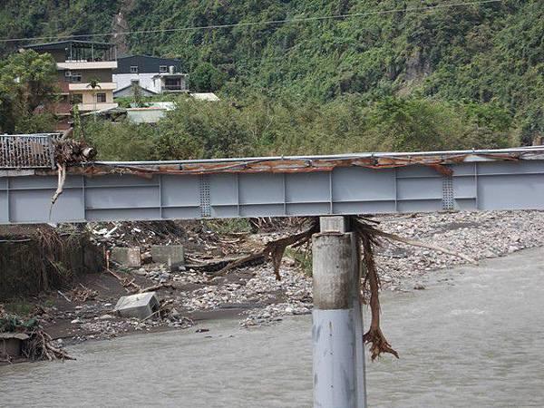風災後烏來紅河谷2015 006