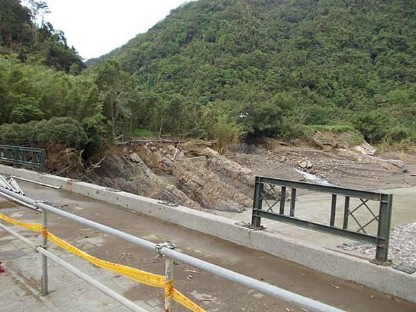 風災後烏來紅河谷2015 025