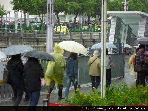 雨天花博全家福 054.JPG