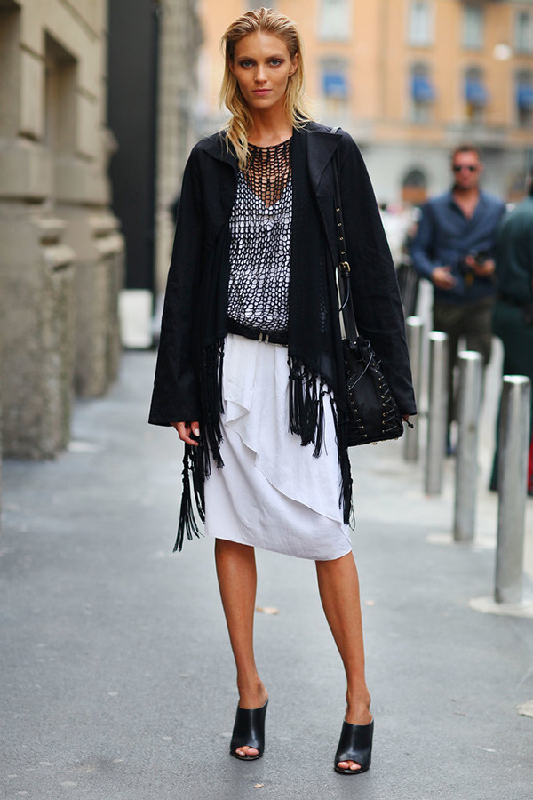 Anja-Rubik-layered-up-open-knit-polished-off-her-black