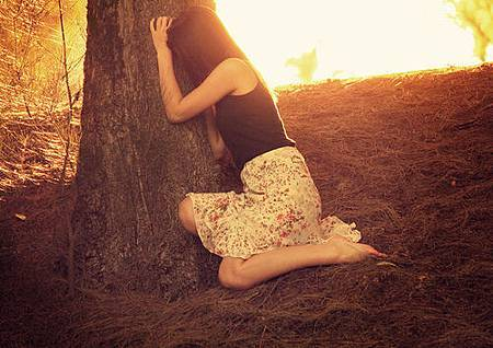 alone-fashion-girl-nature-Favim.com-193164