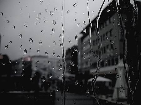651539-gray-sadness