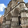 西班牙昆卡小鎮裡的地標之一主教堂.jpg