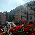 很喜歡仙達皇宮外山中歐洲小鎮的寧靜氣氛.jpg