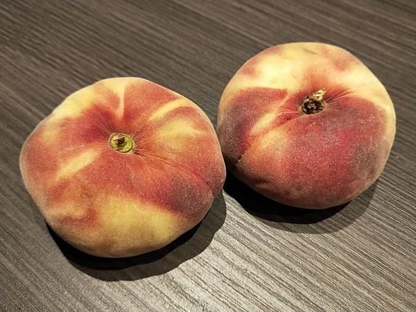領隊狂推的西班牙蜜桃,真的非常蔫嫩多汁好吃!.jpg
