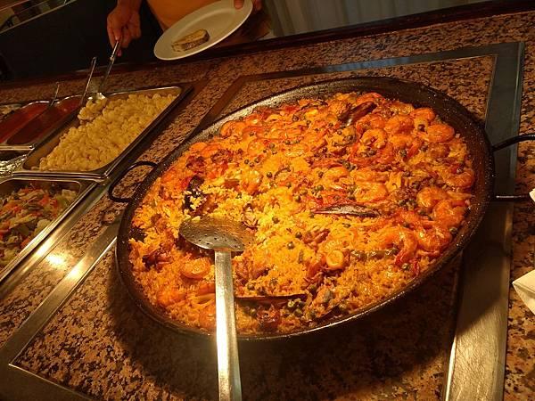 西班牙頓飯,除了米飯尖偏硬味道還是台灣比較對味.jpg