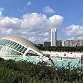 西班牙瓦沿海地區的瓦倫西亞科學與藝術城.jpg