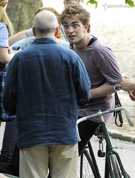 gallery_enlarged-robert-pattinson-remember-me-08042009-78.jpg