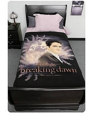 Twilight+Breaking+Dawn+Fleece+Edward+with+Crest+and+Ferns.jpg