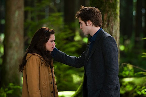 edward_bella_new_moon_forest_photos