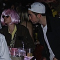 pattinsonlife kstewartfanshalloweenparty2012 (6) (1)