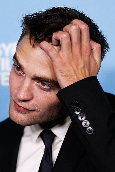 New_HQ_Robert_Pattinson_Sydney_The_Rover_Premiere5.jpg