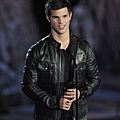gallery_main-taylor-lautner-scream-2009-spike-tv-10182009-03.jpg