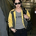 gallery_enlarged-kristen-stewart-studio-lax-10312009-12.jpg