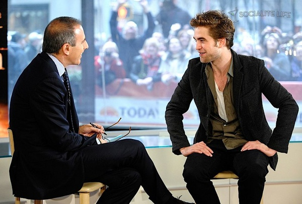 gallery_enlarged-robert_pattinson_gma_11230912.jpg