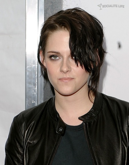 gallery_main-kristen-stewart-remember-me-premiere-photos-03012010-03.jpg