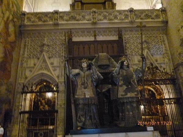 3-2塞維亞大教堂哥倫布之墓.jpg