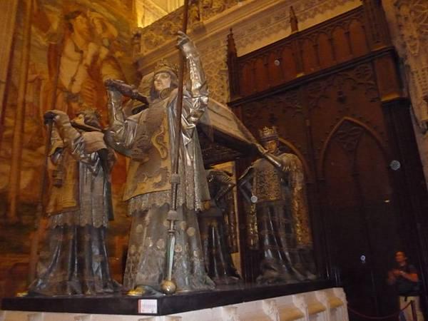 3-2塞維亞大教堂哥倫布之墓2.jpg