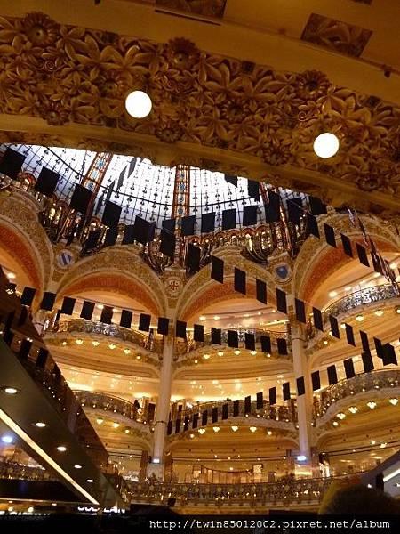 4巴黎春天百貨大廳  (1)