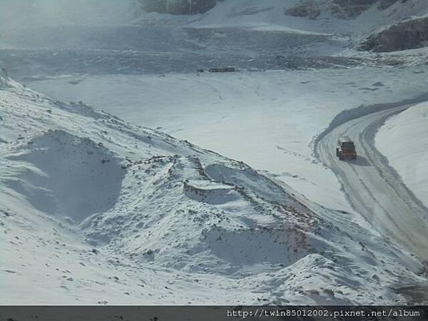 2加西哥倫比亞大冰原 (10).jpg