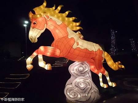 八駿-金鬃烈馬.jpg