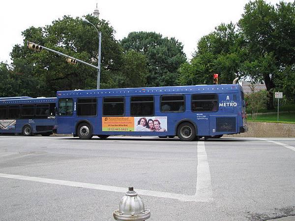 Austin 的 bus