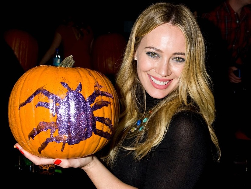 hilary-duff-just-jared-halloween-party-2013-08