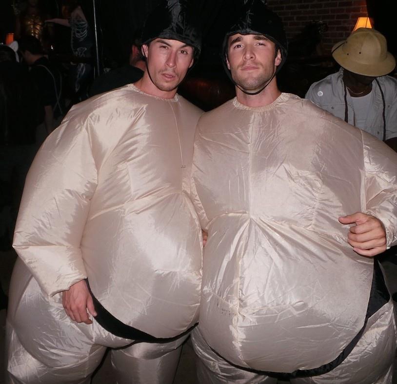 emily-vancamp-josh-bowman-costume-couple-02