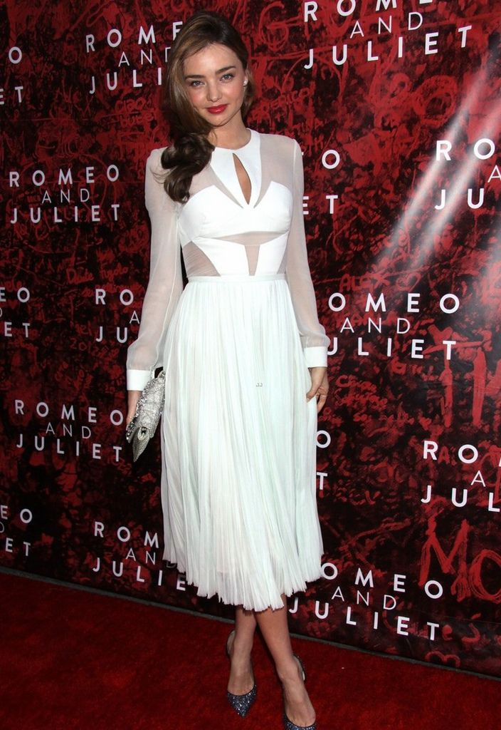 miranda-kerr-romeo-juliet-opening-to-support-orlando-bloom-05.jpg