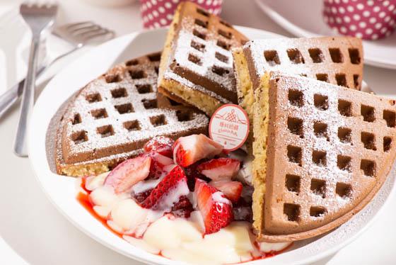 草莓鬆餅1.JPG