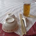 午餐的碗筷.JPG