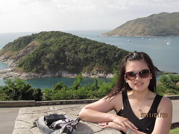 我和烏龜島合照.JPG